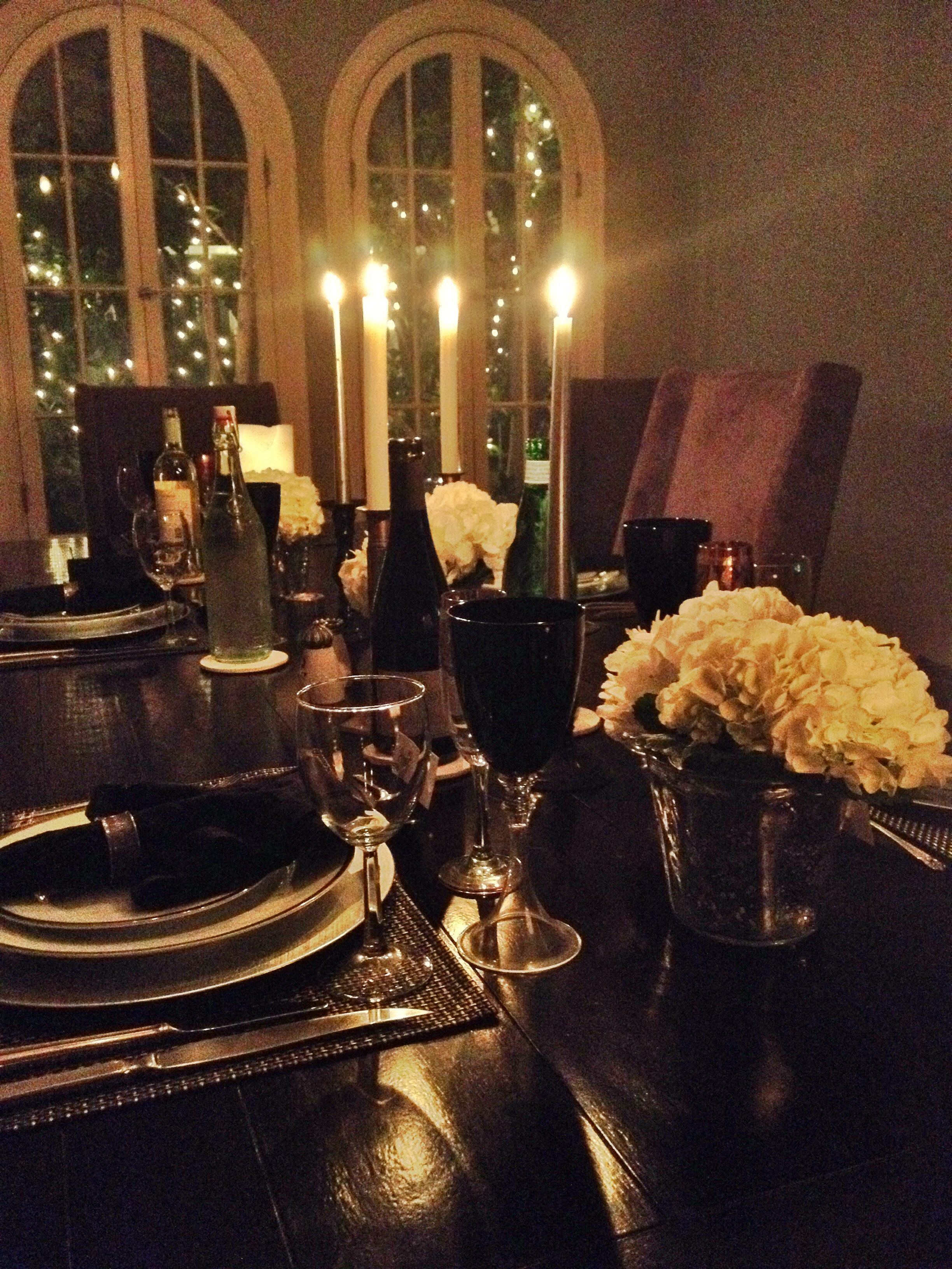 NYE dinner table. Read how to achieve this look in my blog on www.briantothlifestyle.com