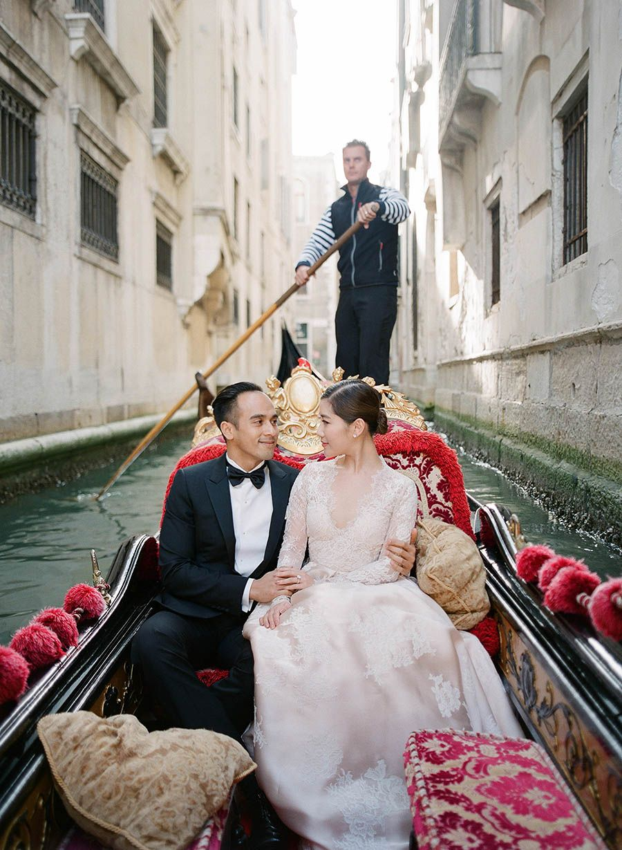 Chryseis and Faliqu0027s pre wedding shoot in Venice