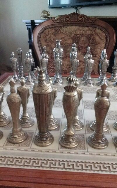 Italian chess set