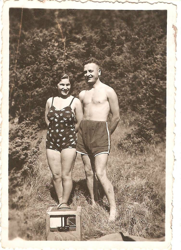 MEN GAY INTEREST NUDES young man on the beach photo 1930s