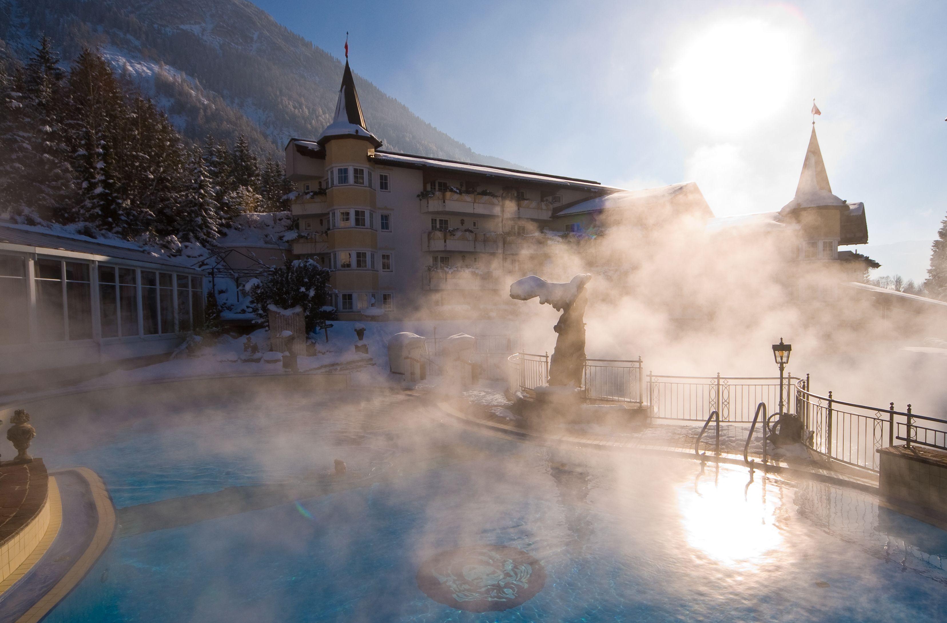 Außenpool, Winter, Schnee, Sonne   Spa-Oasen   Post hotel ...
