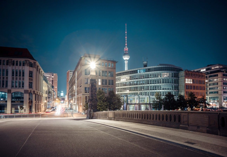 SNAPSHOT: Interview mit Sascha Hoecker, Licht ist Alles