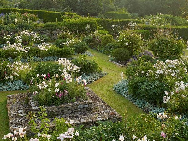 gertrude jekyll gardens england