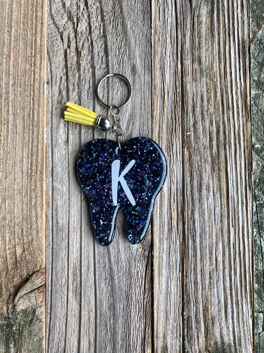 Tooth resin keychain