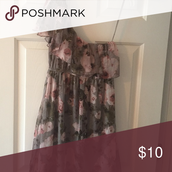 Wet Seal one shoulder dress Grey with pink flowers one shoulder dress. Great transition from summer to fall or into spring Wet Seal Dresses One Shoulder