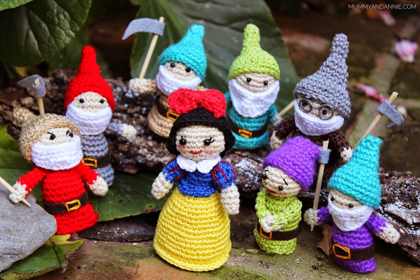 Amigurumi Frida Kahlo Patron : Mummy and annie: blancanieves and the 7 enanitos crochet