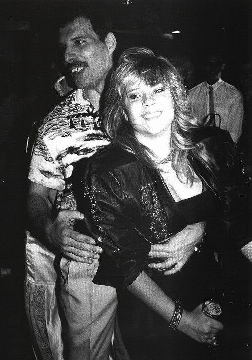 Lucky Samantha Fox!!!   My Diva-Freddie Mercury in 2019 ...