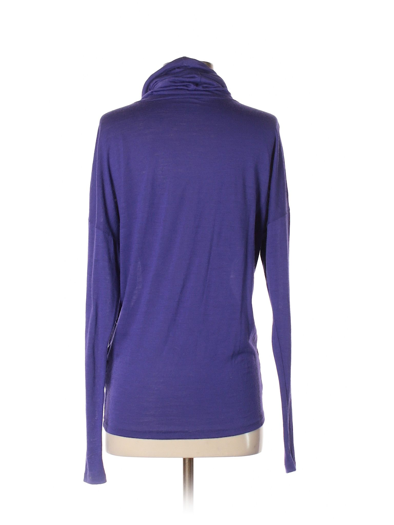 Check it out Nike Zip Up Hoodie for $11.99 on thredUP!