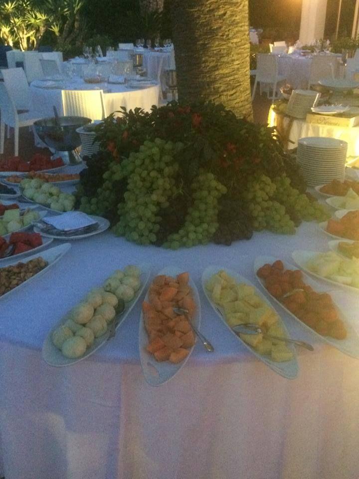 Metti una sera a Polignano... Una location incantevole, le prelibatezze del nostro #catering...e il gioco è fatto!