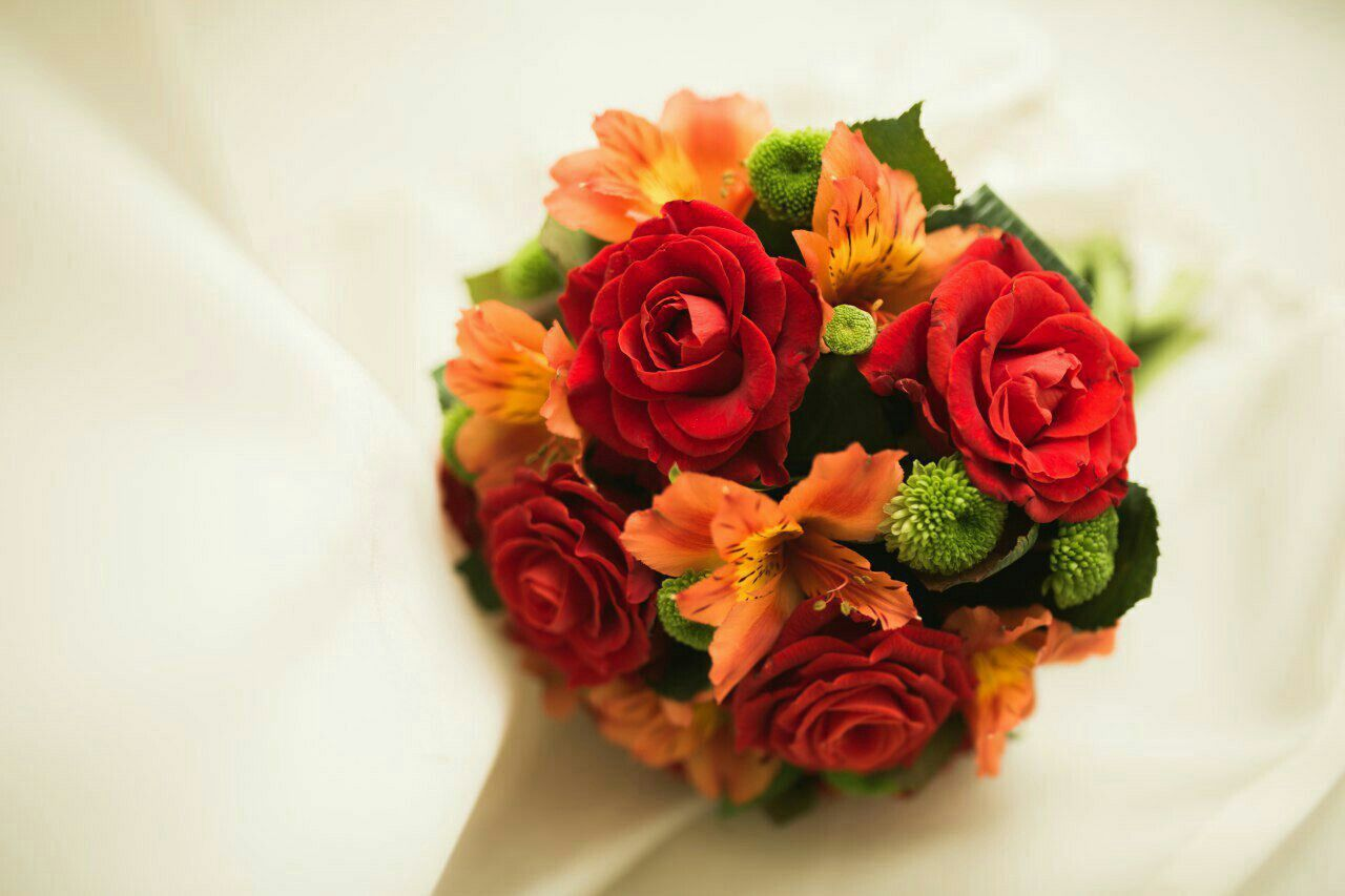 Pin By زهرة الياسمين On Fleurs ورد Flower Rose Flowers Alstroemeria
