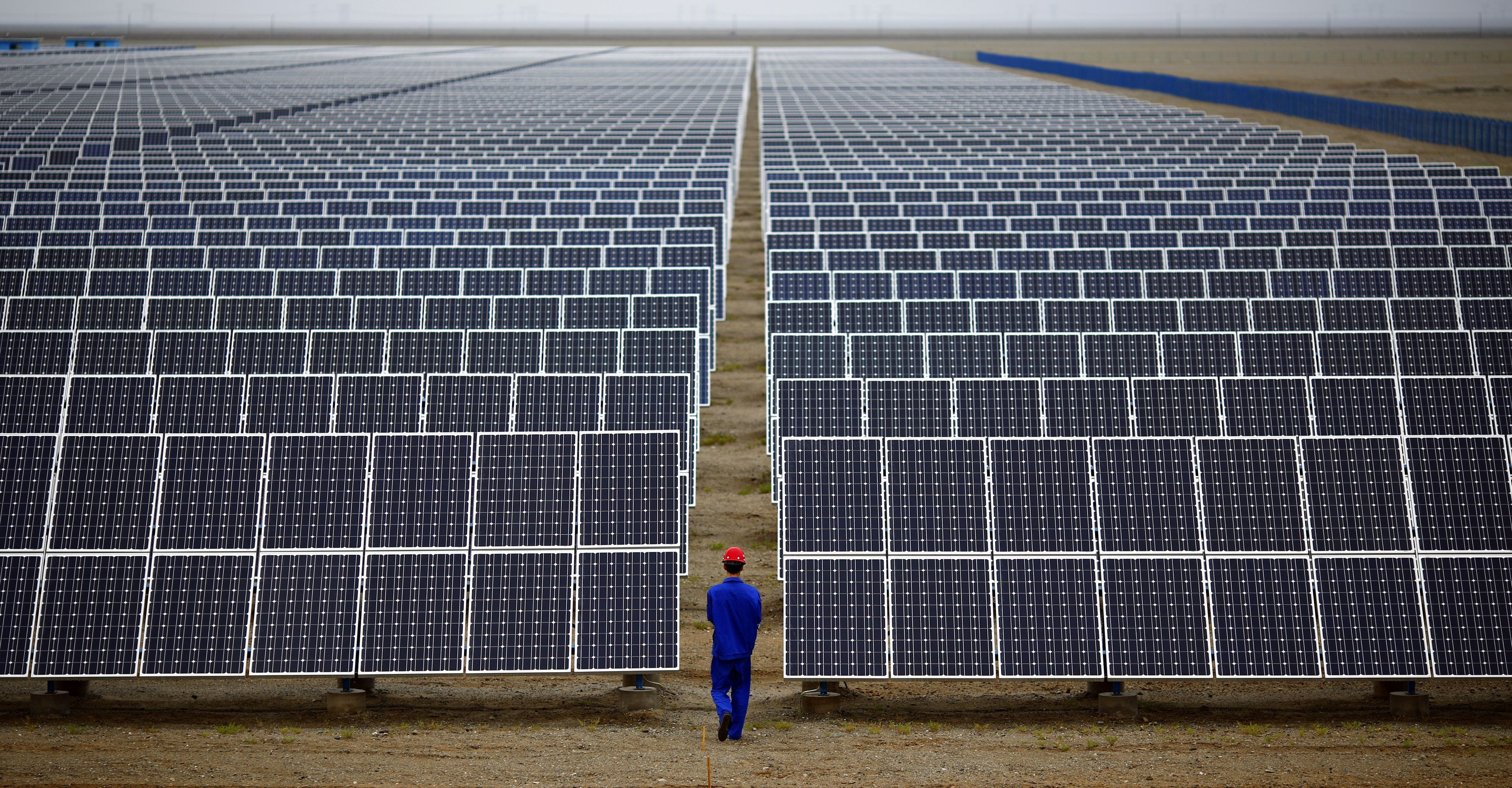 China Has Far And Away The World S Largest Renewable Energy Capacity It Has Achieved This In Part Though Stat Energia Solar Energia Renovable Cambio Climatico