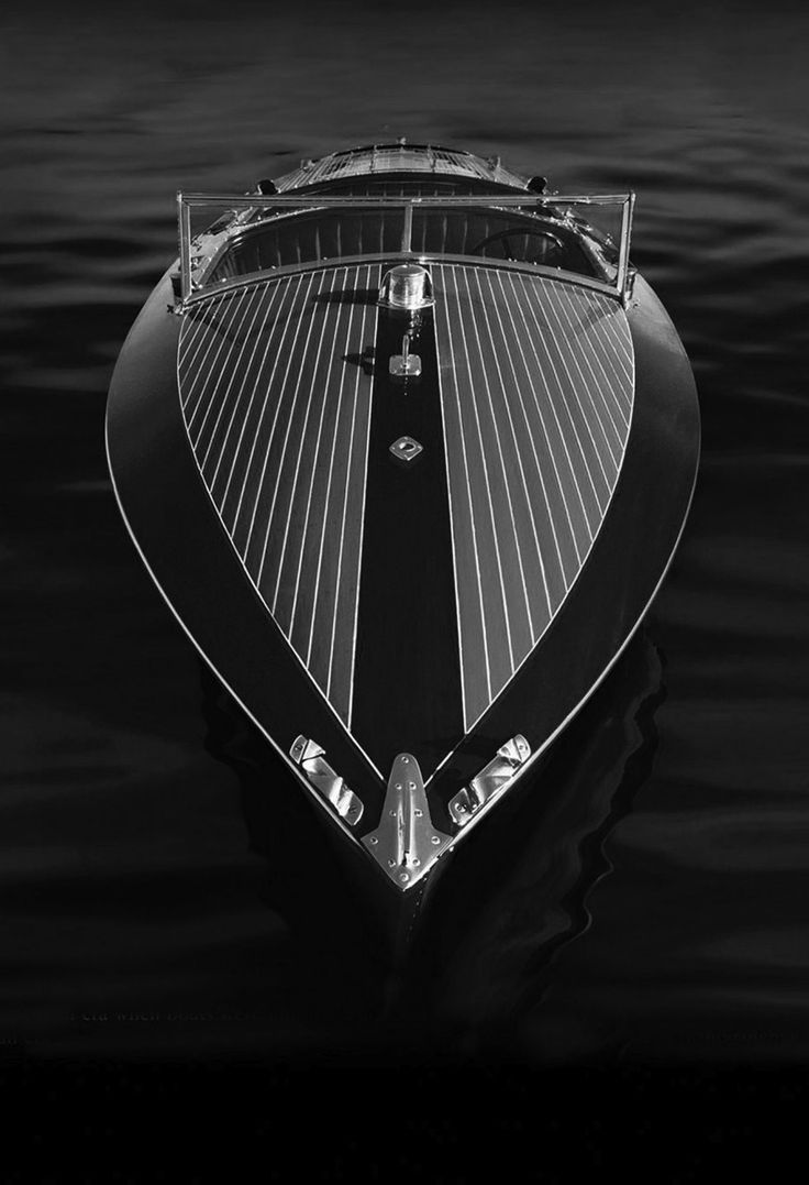Pin By Travelteq On Design With Images Speed Boats Riva Boat