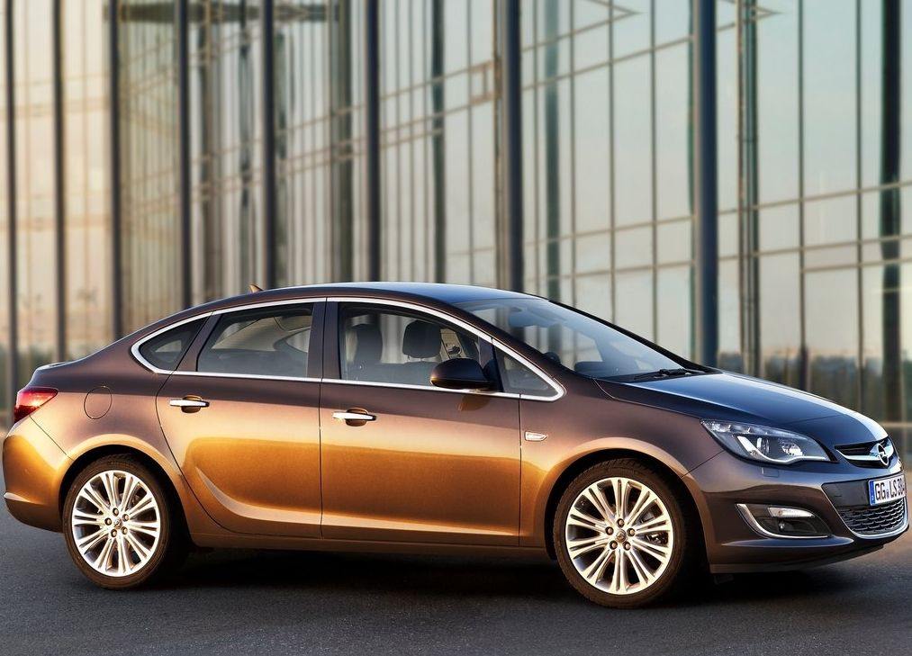 Opel Astra Photo 2