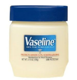 A Gazillion Beauty Uses for Petroleum Jelly (Discovered By Our Readers): Girls in the Beauty Department