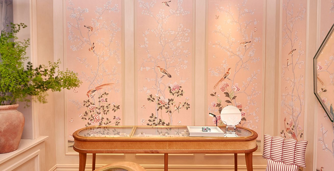 European Scenic Hand Painted Wallpaper Traditional Hall
