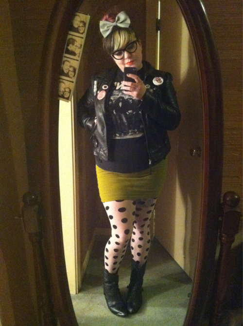 hot chubby punk girl leather tight skirt poka dot