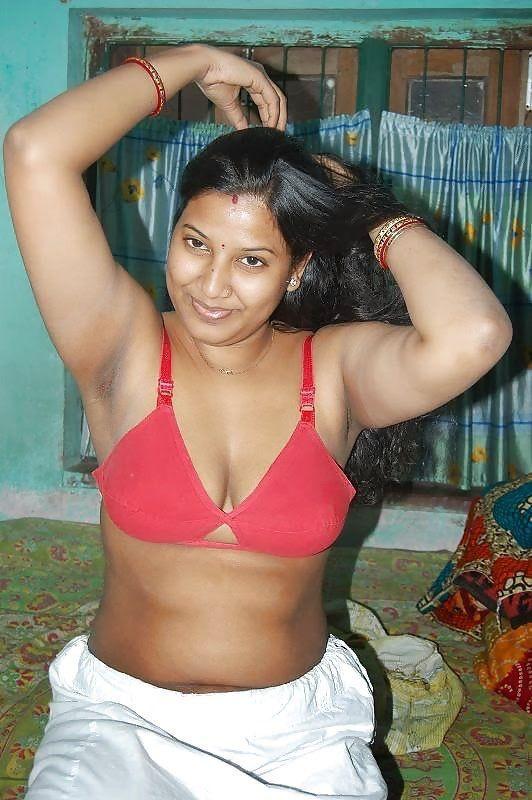 Mallu Aunties Indian Housewife