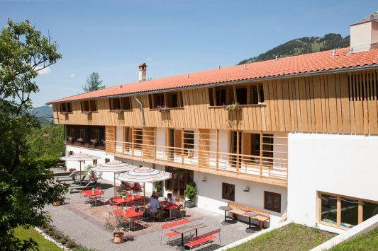hotel tannerhof in bayrischzell geneigtes dach sport freizeit hotel. Black Bedroom Furniture Sets. Home Design Ideas