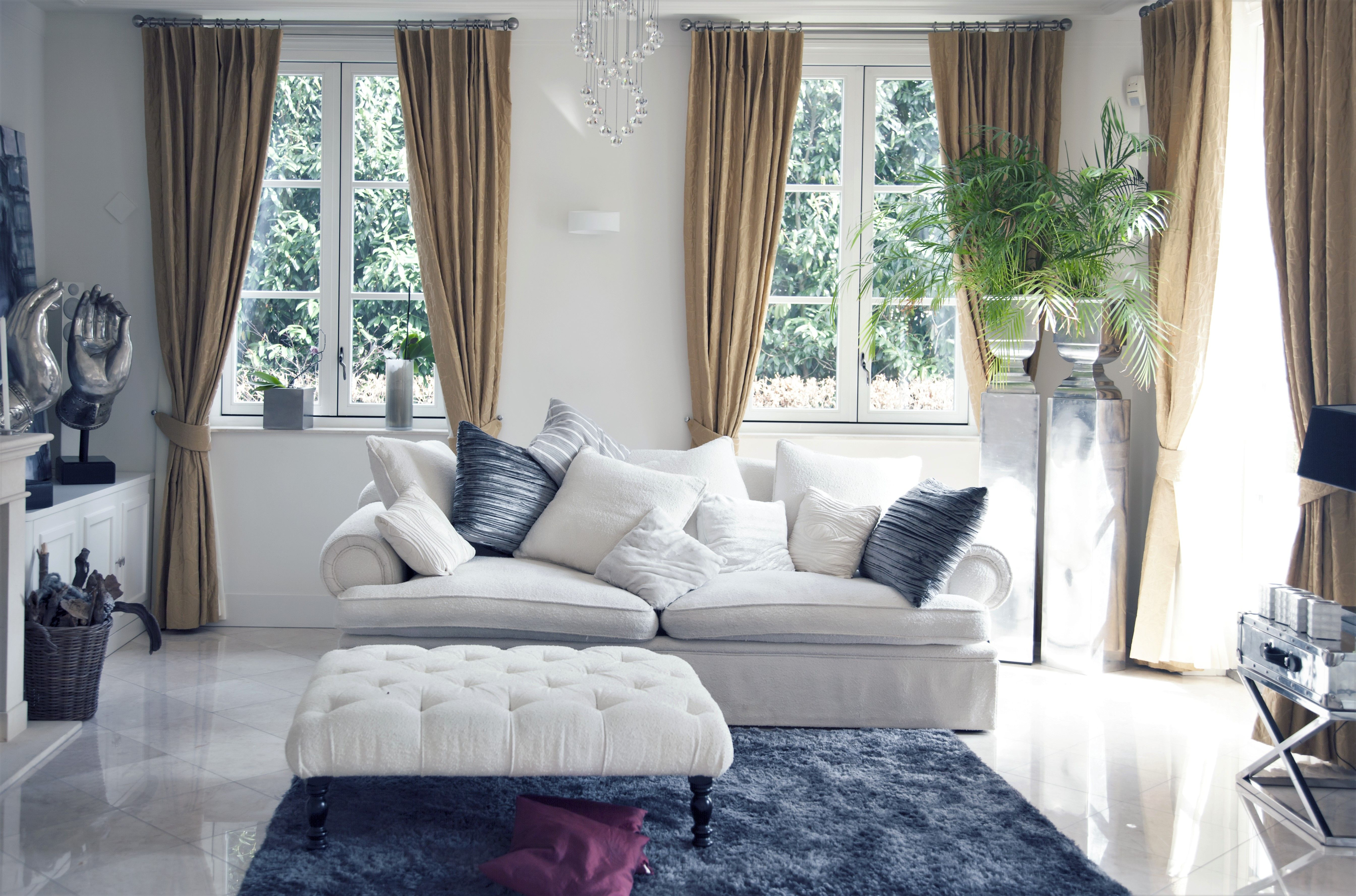 Delightfully curated! Luv the gathering of cushions