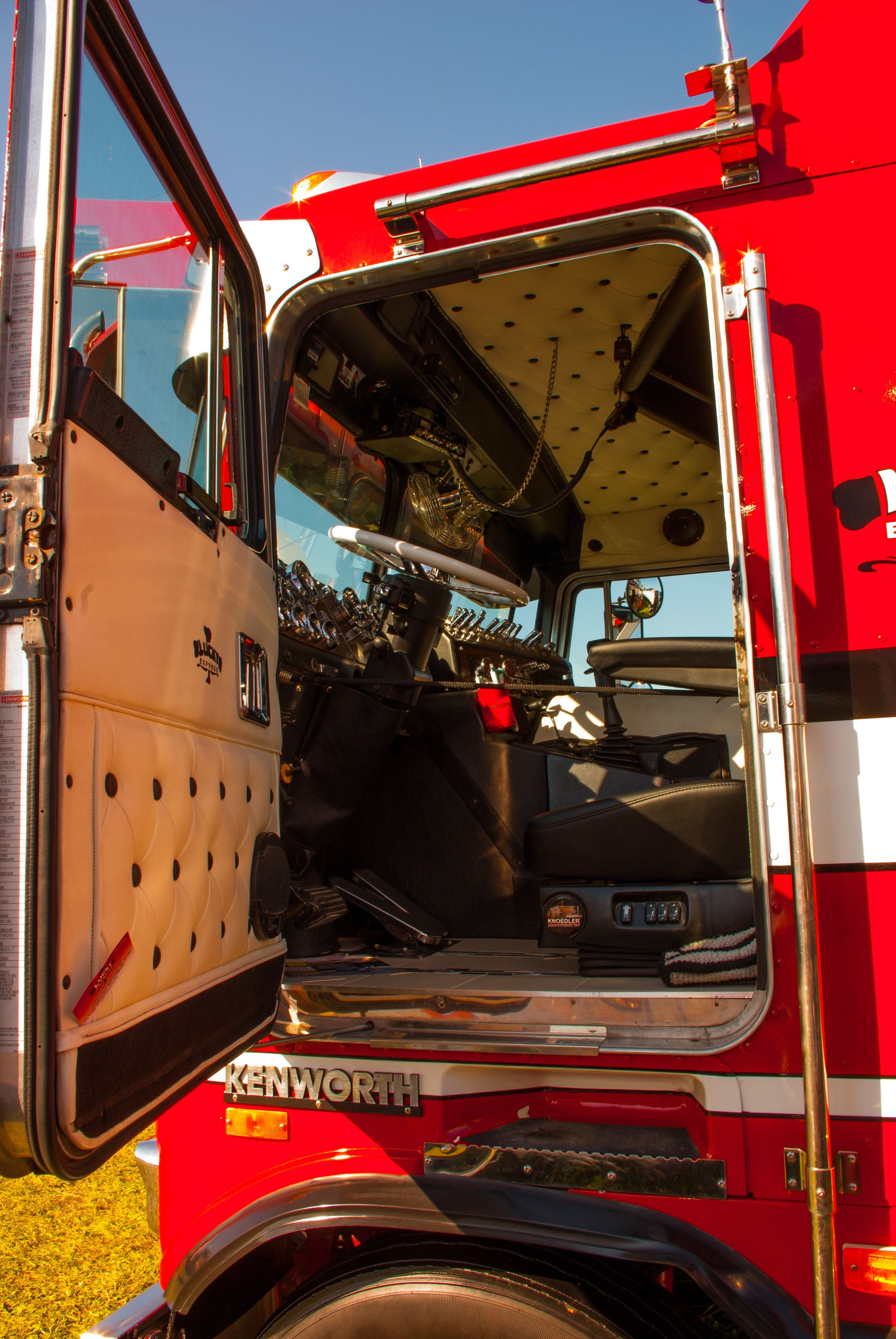 Kenworth Cabover Truck Interior Kenworth Trucks, Peterbilt, Cool Trucks, Big Trucks, Truck