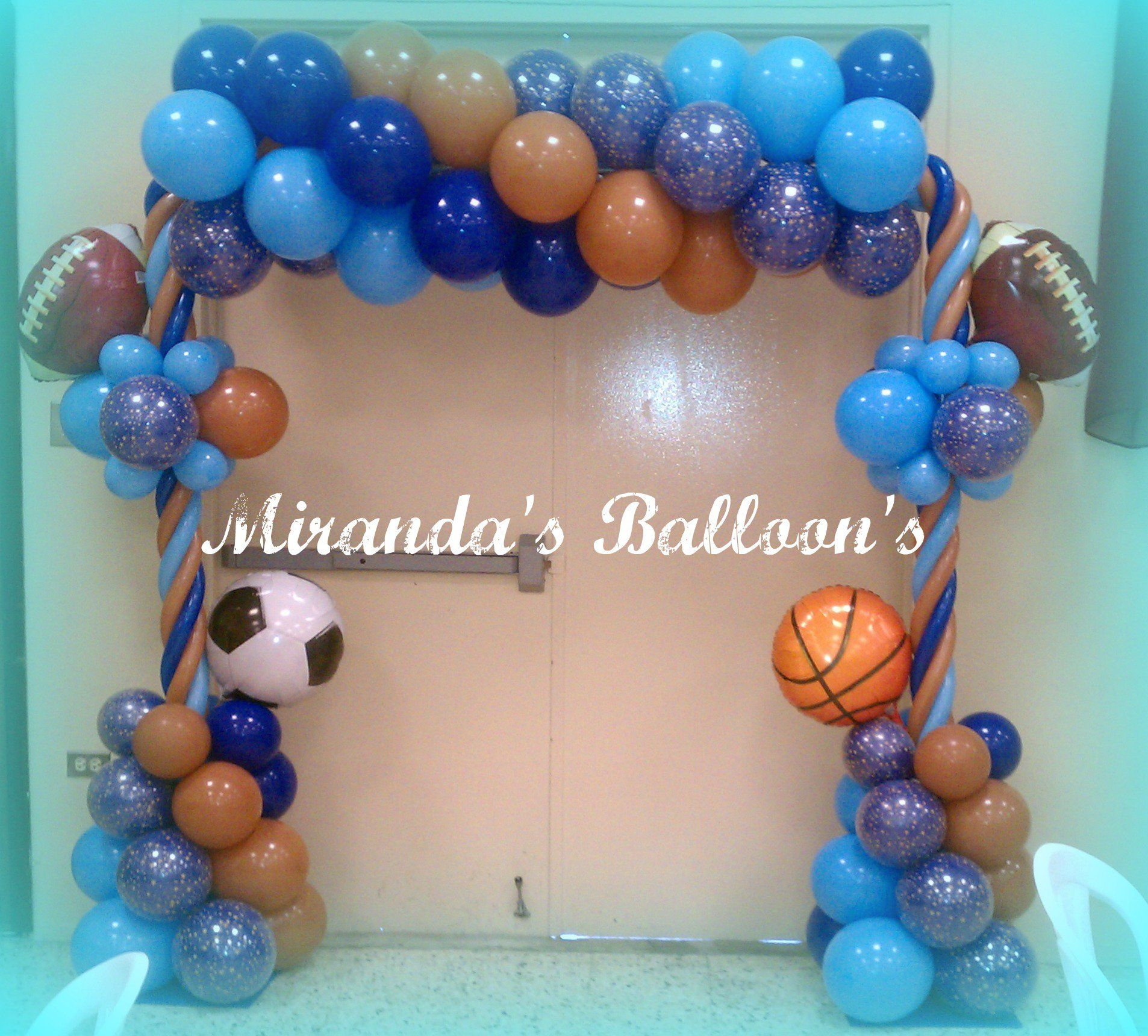 Sports theme balloon decor globos pinterest sports for Arch decoration supplies