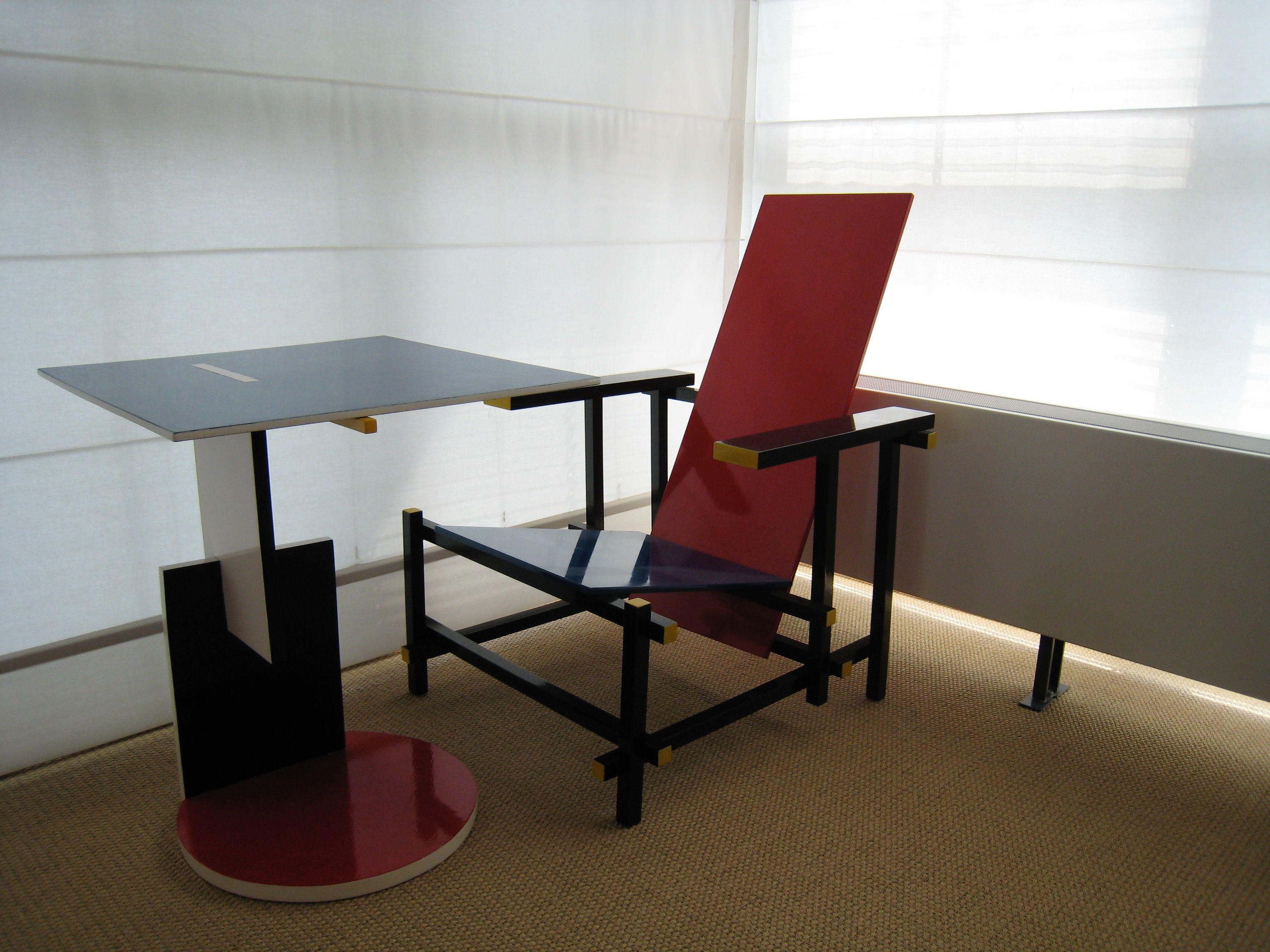 Rood Blauwe Stoel : Mijn allereerste rietveld de rood blauwe stoel en divan tafel