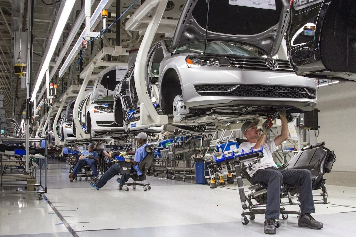 The United Auto Workers union won  its first organizing vote at a foreign-owned auto assembly plant  in the U.S. South on Friday, in a groundbreaking victory after  decades of failed attempts.  About 71 percent of skilled trades workers who cast ballots  at Volkswagen AG's factory in Chattanooga,
