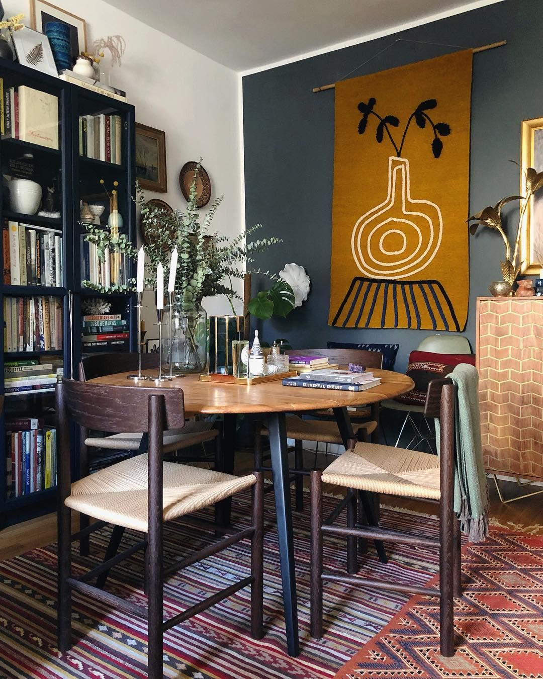 It S Time To Get Creative With These Tricks That Will Help You Fit A Dining Area In Even The Smallest Of Li Dining Room Spaces Circular Dining Table Home Decor #small #living #room #dining #table