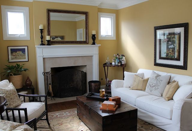 Great decorating...love the dark accent pieces