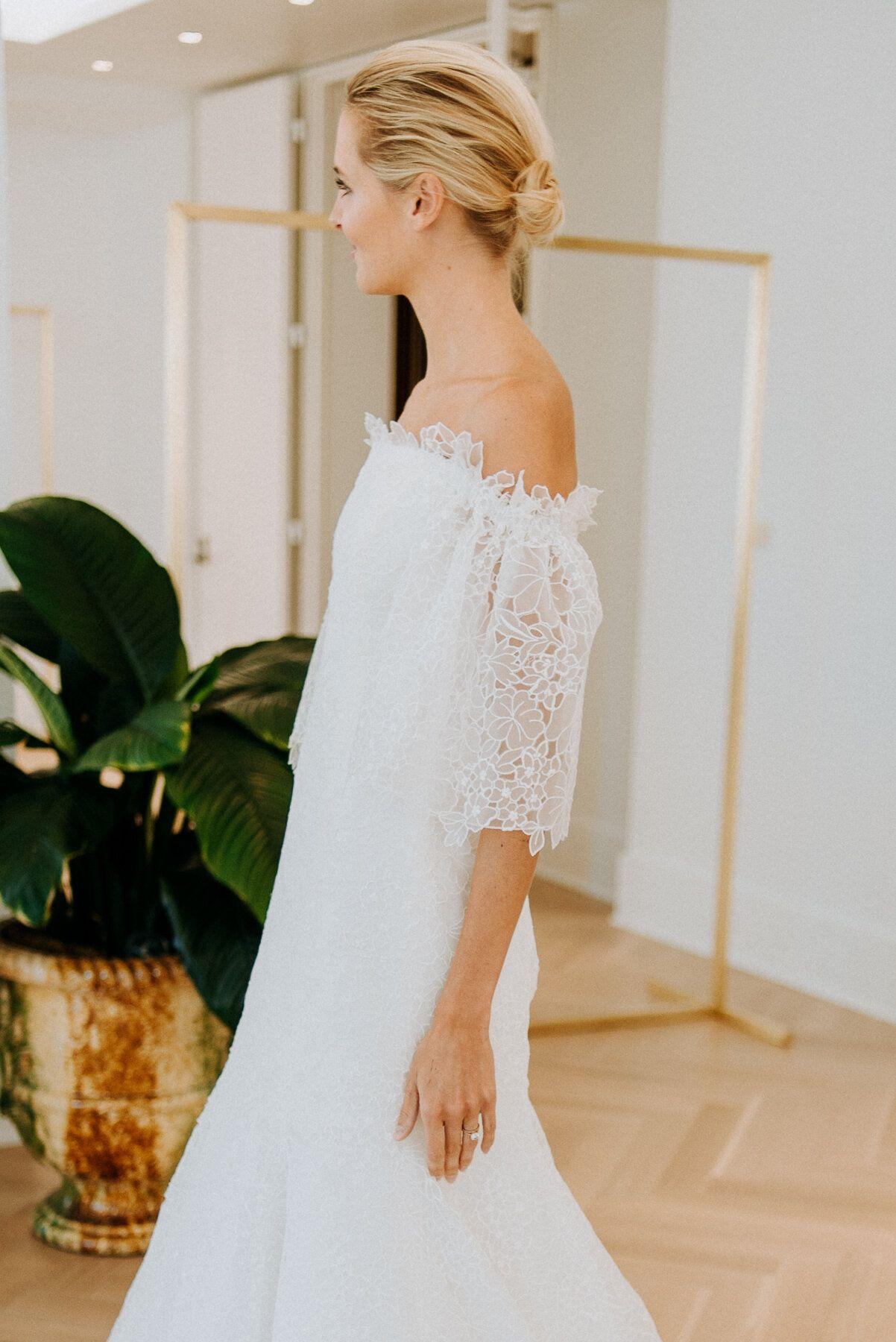 45+ Little white dress denver info