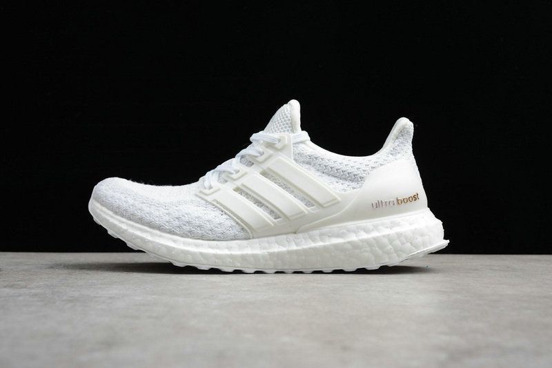 online store a0c61 cc539 Authentic Unisex Adidas Ultra Boost Triple White blanc AQ5929 Youth Big  Boys Sneakers