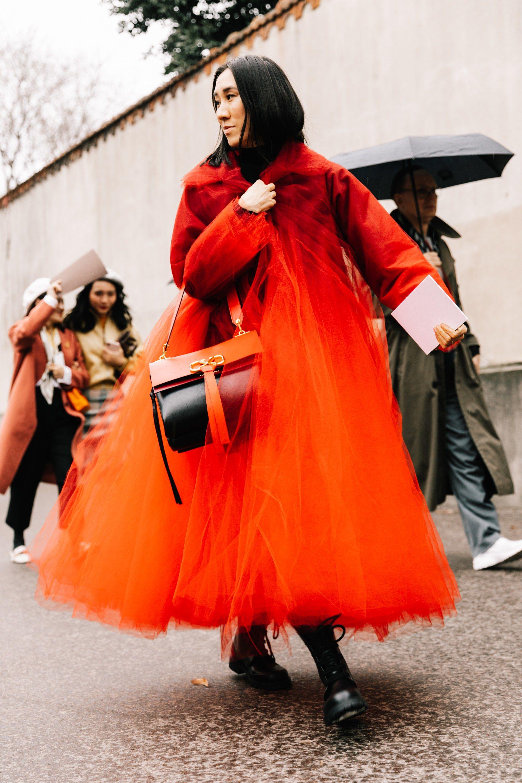 Street Style A La Fashion Week Automne Hiver 2019 2020 De Paris Idees De Mode Fashion Week Mode Rouge