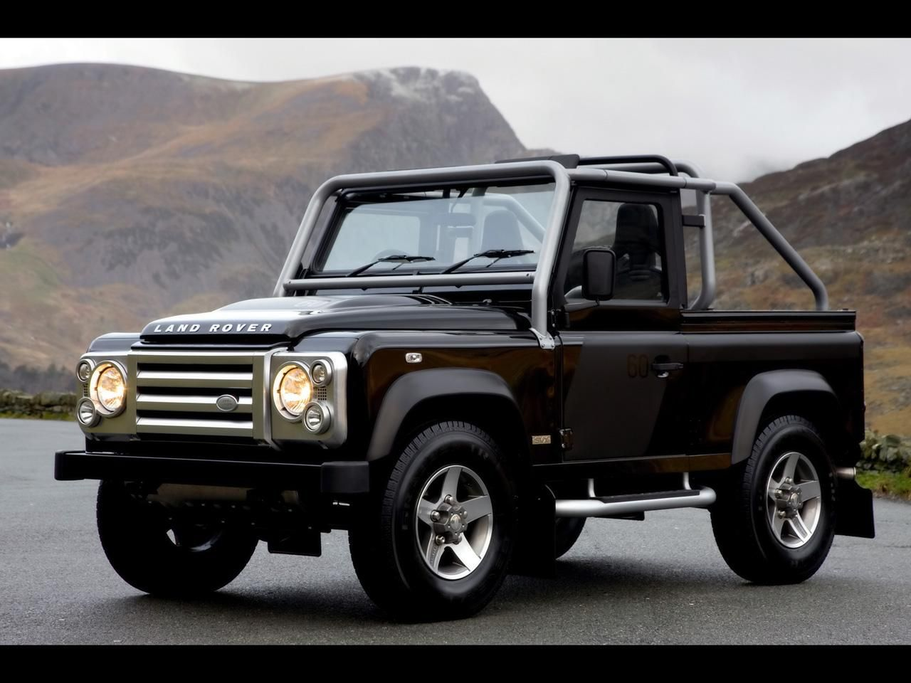 2018 land rover defender car price and reviews pinterest land rover defender land rovers and car prices