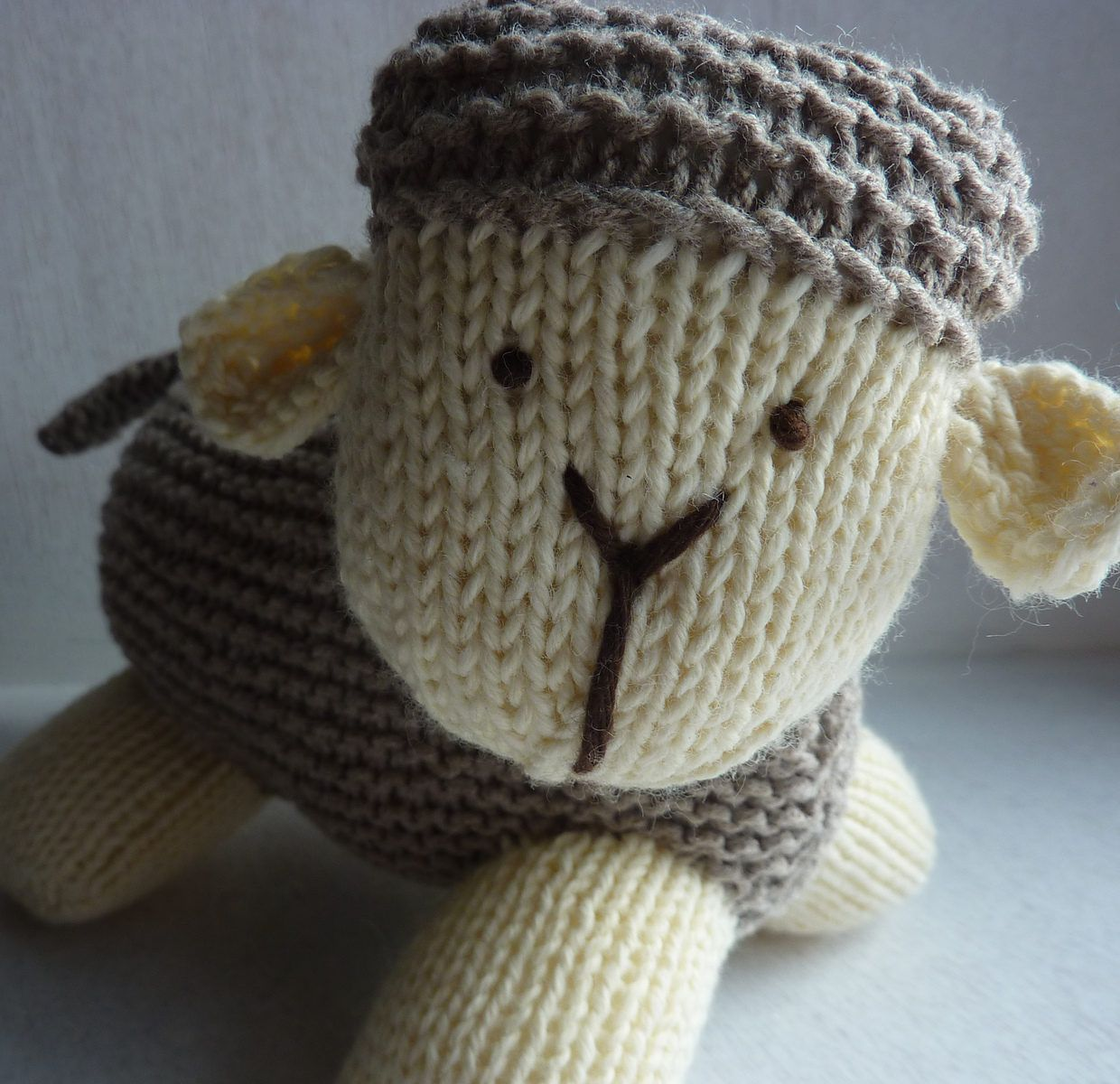 Free Knitting Pattern for Cynthia\'s Sheep - This sheep toy stands ...