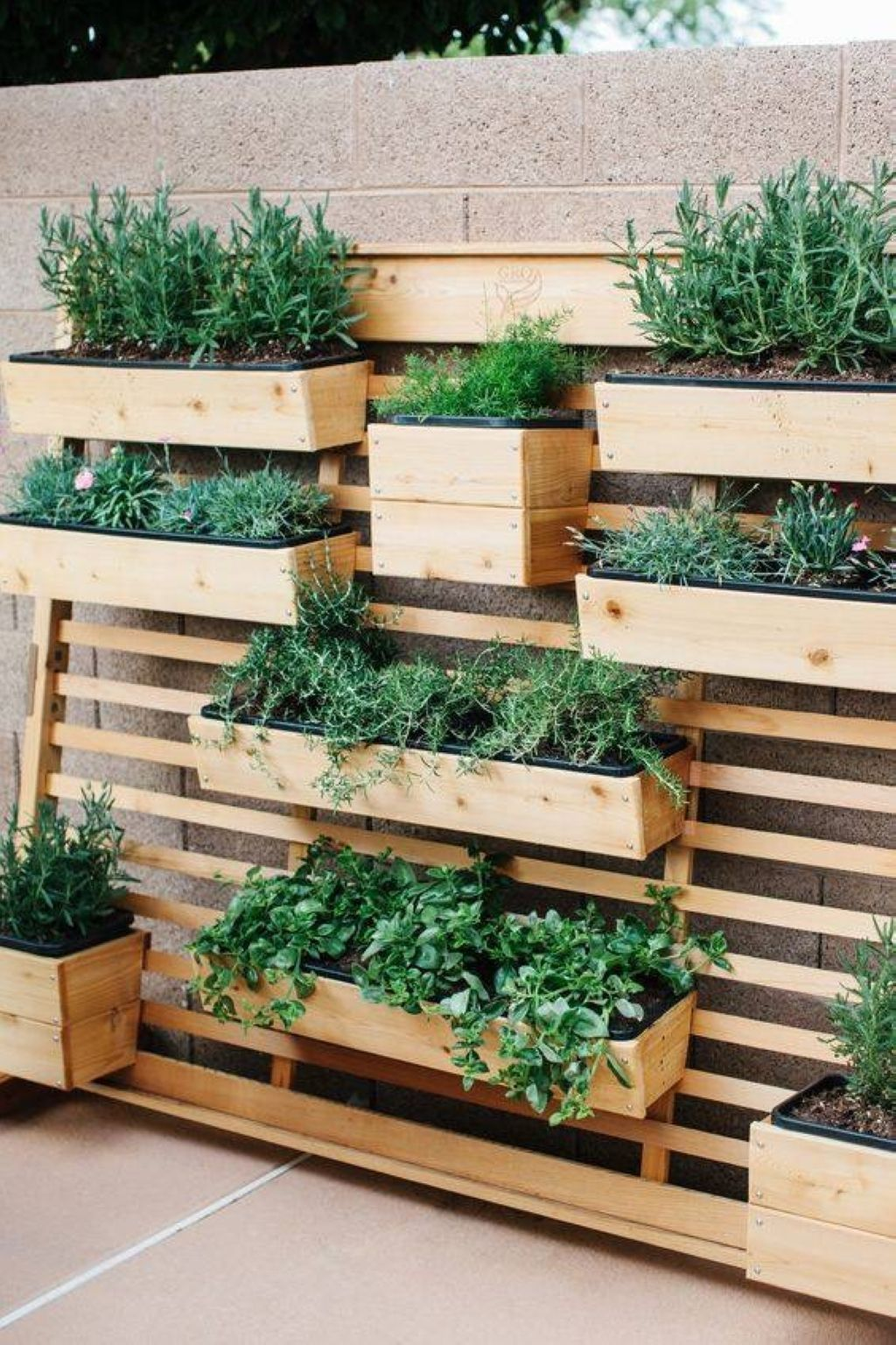 52 DIY Flower Box Wall Ideas for Frontyard Decoration | Diy flower ...