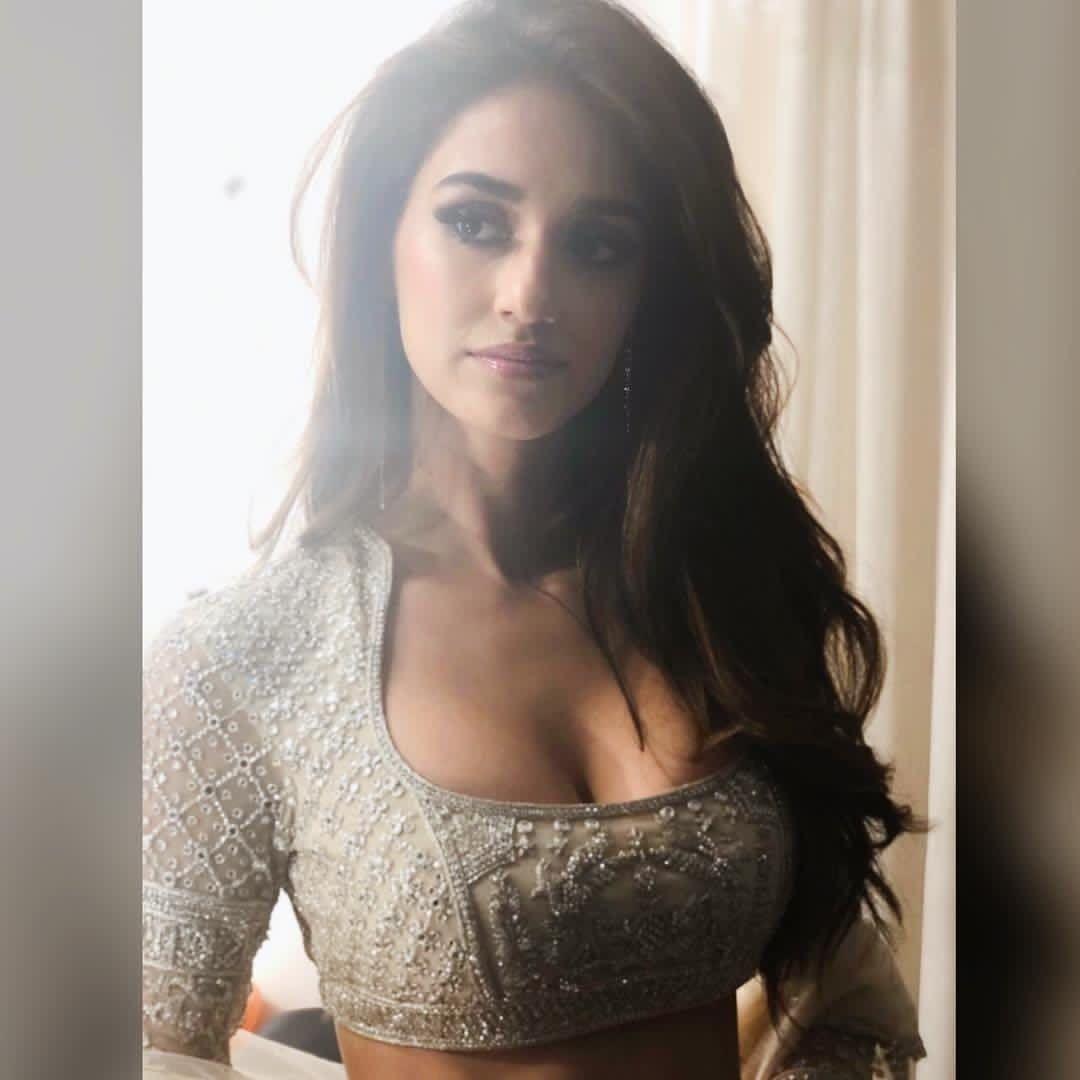 Pin By Shubham Maheshwari On Disha Patani Bollywood Actress Hot