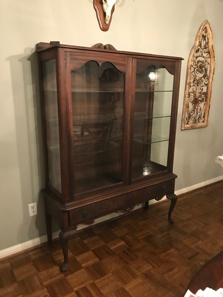 Ideal For Displaying China Crystal Collectables Very Good Condition Considering Age Of This Piece With Images Curio Cabinet Glass Cabinet Doors Oak Display Cabinet