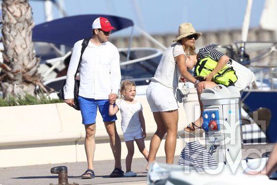Kuninkaalliskuvat | Vickan perheineen lomatunnelmissa Saint Tropez'ssa | Lehtikuva | lehtikuva.fi
