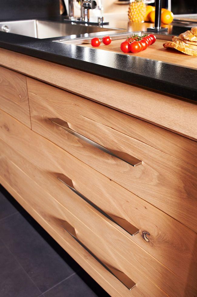 kegin une cuisine de bois brut et l esprit contemporain ch ne blanchi noeuds cuisine. Black Bedroom Furniture Sets. Home Design Ideas