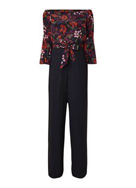 c7a555d8f4 Karen Millen Off shoulder jumpsuit van zijde met bloemenprint ...