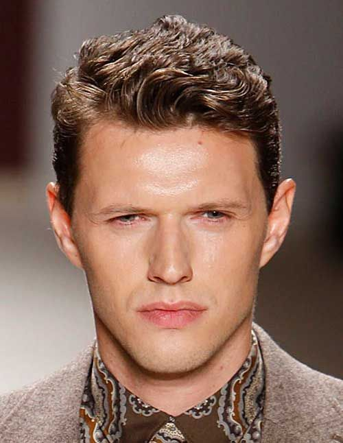 Casual Curly Hairstyles For Guys In 2019 Haircuts For Wavy