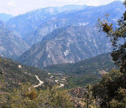 The snake like drive to the bottom of Kings Canyon - Breathtaking!