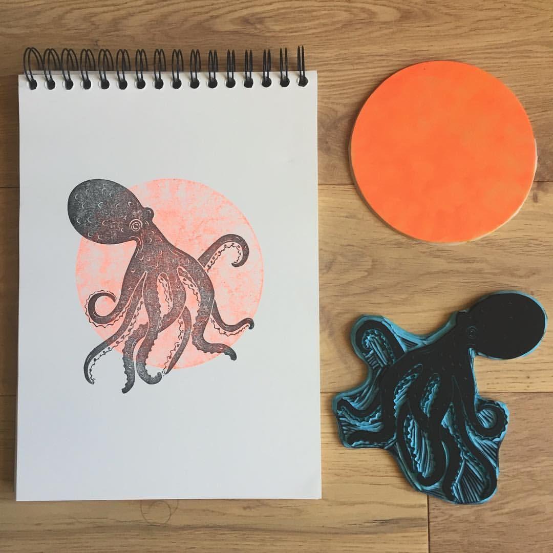 L Atelier De Pique Puce On Instagram Defi 1 An 100 Tampons Nº12 Octopus Octopus Poulpe Pieuvre 1year100stamps In 2020 Linocut Art Linocut Linocut Prints
