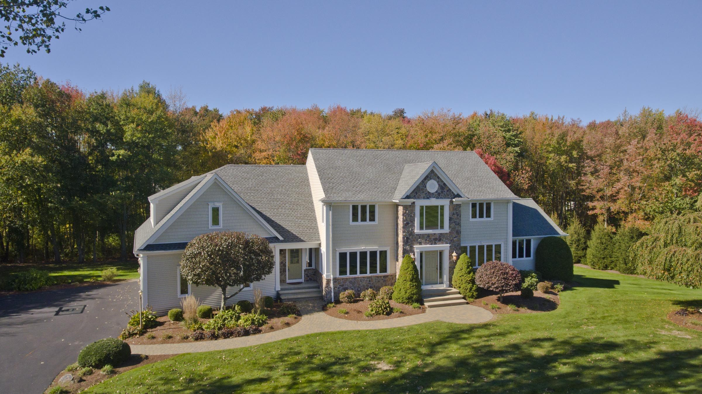 Fabulous 36 South Brook Road East Longmeadow Ma 01028 House Home Home Interior And Landscaping Palasignezvosmurscom