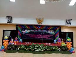 Hasil Gambar Untuk Dekorasi Taman Panggung Dekor Balon