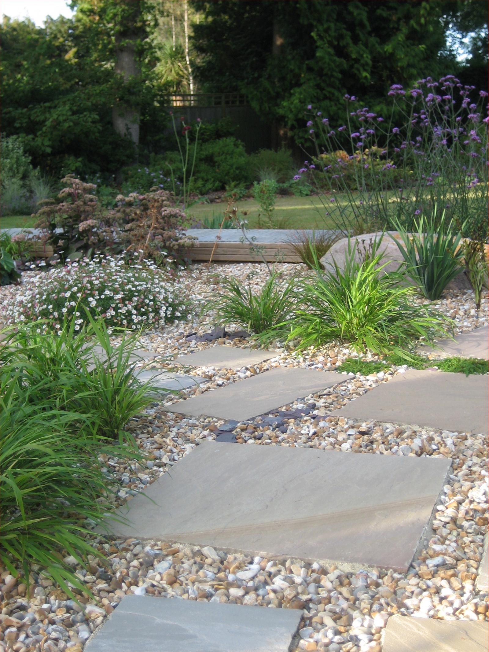 Informal Paving Amp Gravel Rocks And Stones Garden