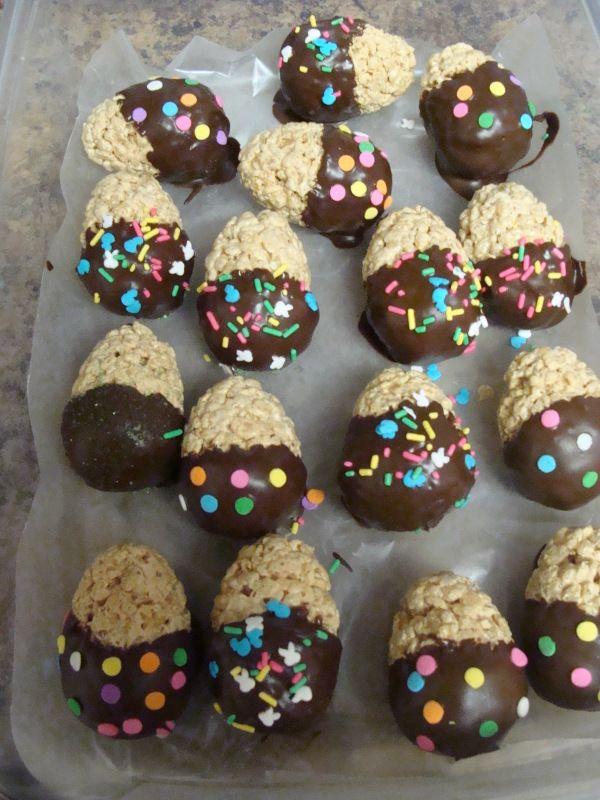 Peanut Butter Chocolate Dipped Rice Krispie Treat Eggs: