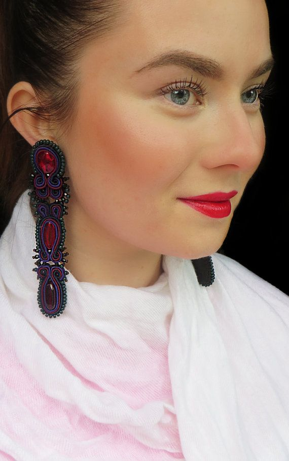 Soutache earrings and red lips