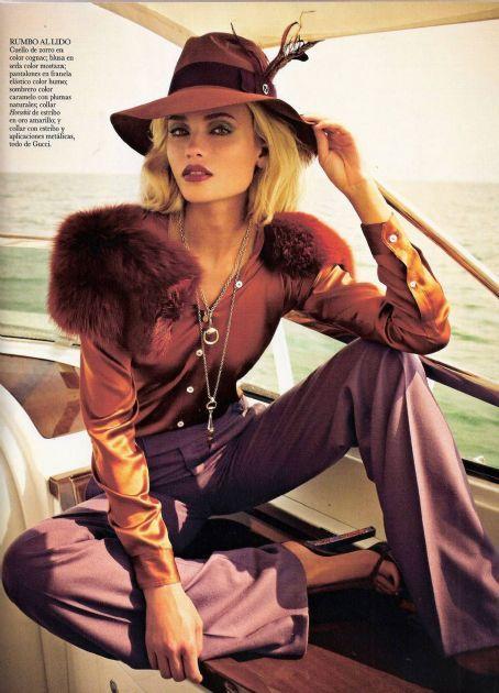 Log In Fashion Editorial Fashion Vogue Spain