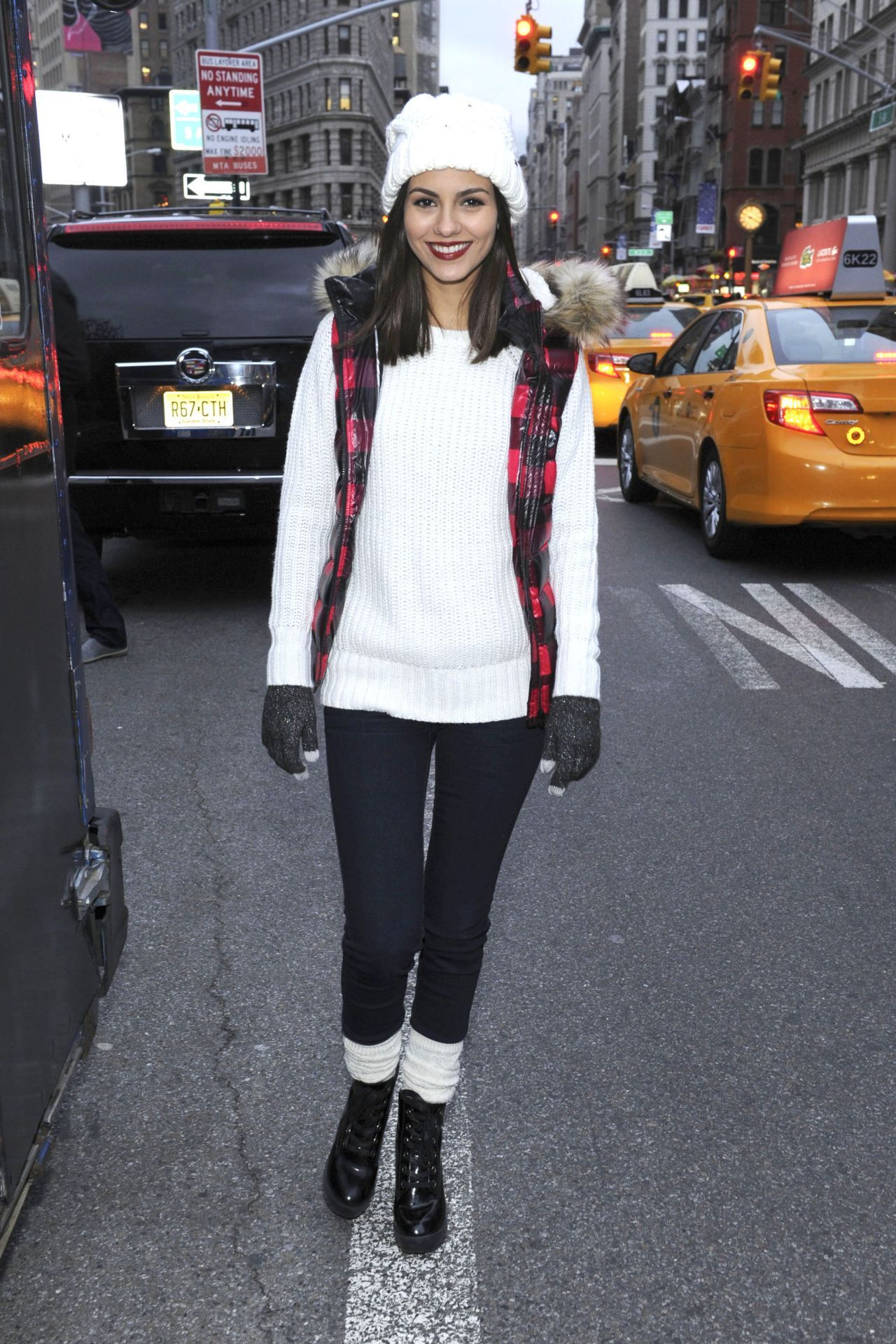 Victoria Justice on nude 4Chan hacker photo leaks: Let me